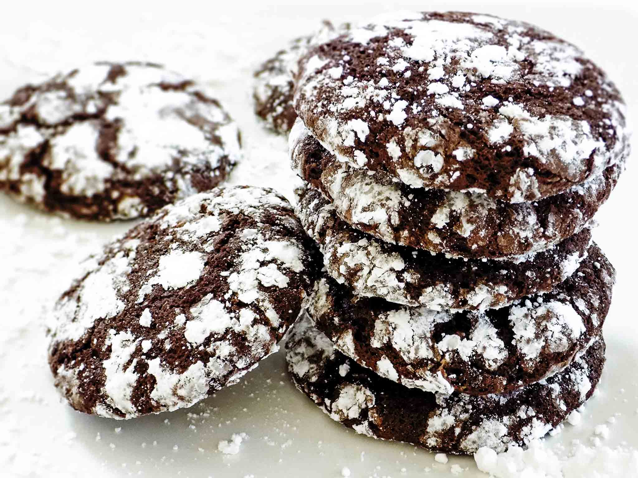 Soft Chocolate Crinkle Cookies