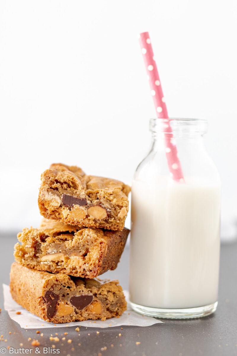Butterscotch blondies with a glass of milk