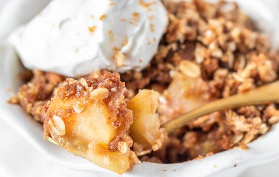Easy Apple Biscoff Crisp