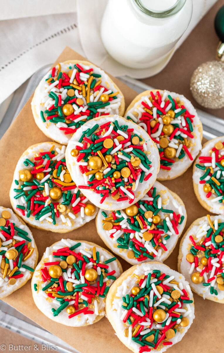 Freshly decorated christmas cookies