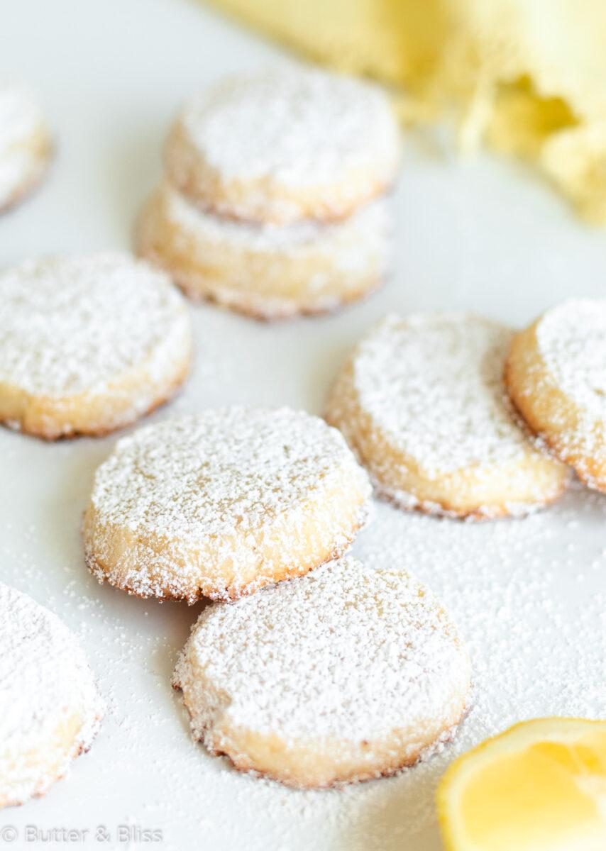 Lemon shortbread cookies with powdered sugar