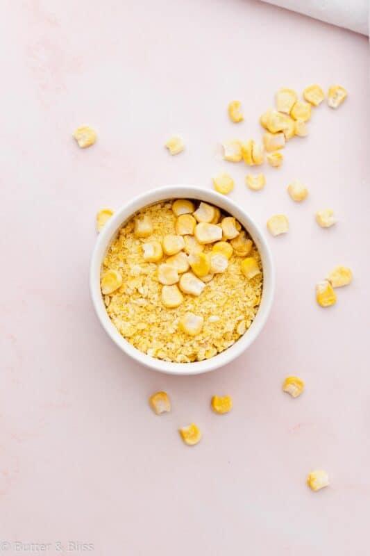 Freeze dried sweet corn for caramel corn apple galette